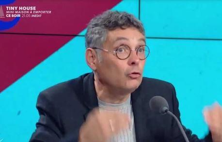 """Taxer les non vaccinés : la dernière du """"connard"""" Thierry Moreau"""